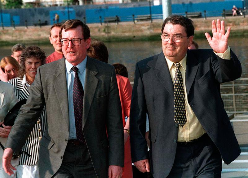 Ulster Unionist leader David Trimble with SDLP leader John Hume